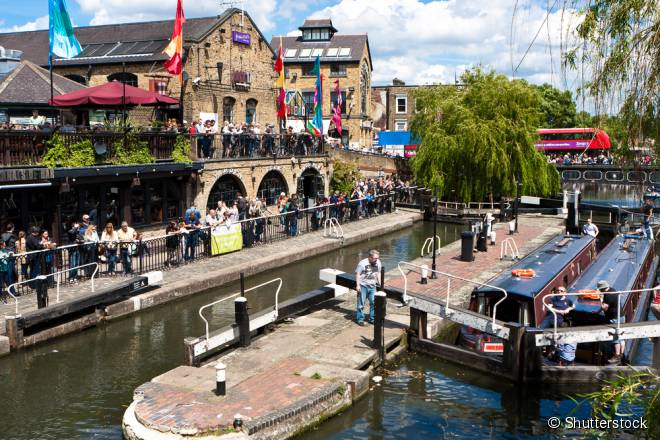 Parar em Camden Town e tomar uma Guiness na beira do canal é uma das dicas