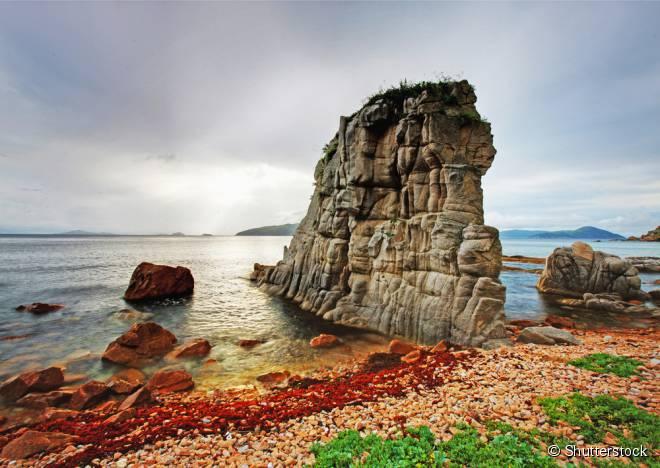 A ilha de Moneron, na Rússia, é uma grande reserva de fauna e flora, praticamente intocada pelo homem