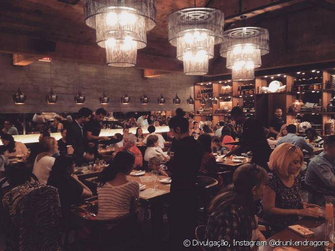 O restaurante Druken Dragon é o maior sucesso em Miami e ainda assim, os turistas não o conhecem. Faça uma visita, você não vai se arrepender!