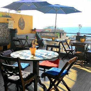 Babilônia Rio Hostel tem vista privilegiada para o mar