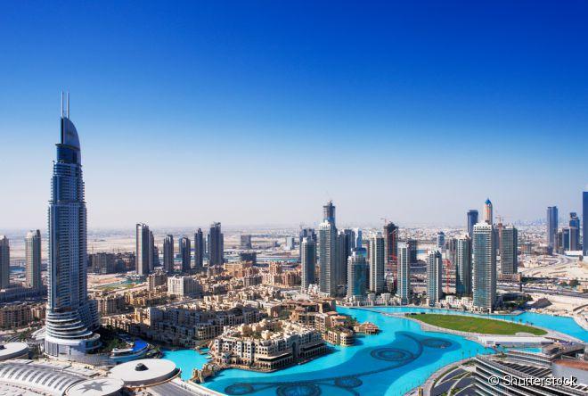 A cidade de Dubai, no Emirados Árabes Unidos, coleciona recordes: tem o maior prédio do mundo, o mais alto deck de observação, maior jardim de flores naturais e diversos outros títulos