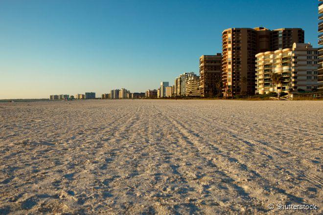 Na Ilha Marco é possível encontrar ruas cortadas por canais e praias, geralmente vazias, que ficam de frente para o Golfo do México