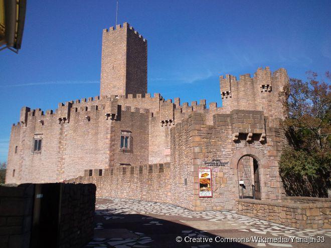 Com um tema totalmente espanhol, o Parque España reproduz paisagens do país europeu e leva toda a essência dele a seus visitantes