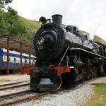 A Maria-Fumaça liga as cidades Ouro Preto e...