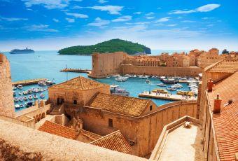 Conheça destinos paradisíacos que também são cheios de cultura!