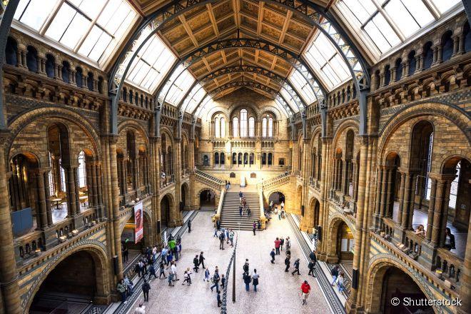 O Museu de História Natural é um dos programas culturais imperdíveis em Londres