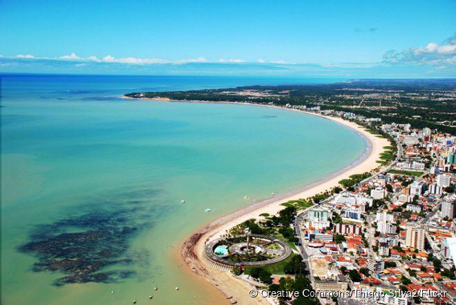 Tambaú é bem agitada por ser a praia urbana mais procurada de João Pessoa