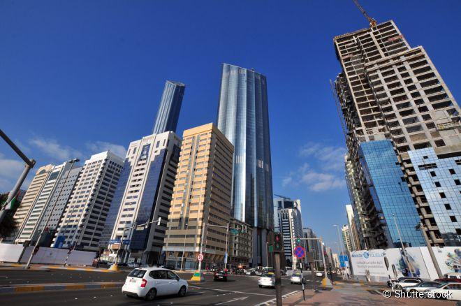 Burj Mohammed Bin Rashid é um dos prédios mais altos de Abu Dhabi