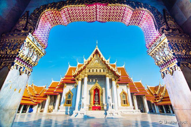O Wat Benjamabophit é um dos mais belos templos da cidade