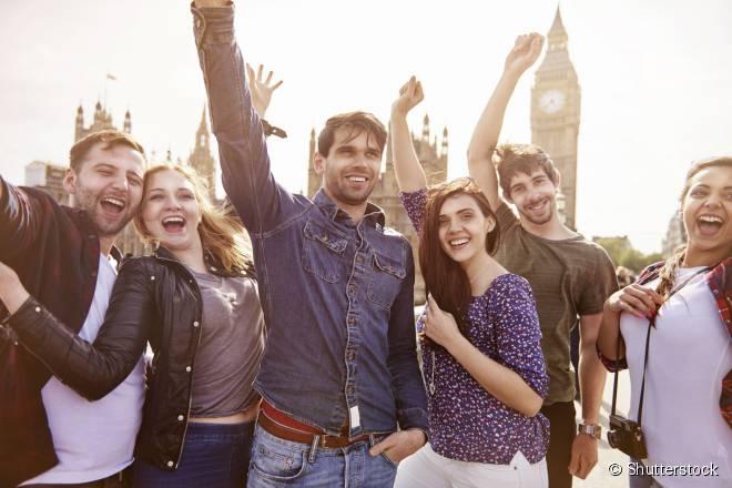"""Nos chamados """"Free Walking Tours"""", os turistas conhecem a pé os principais pontos turísticos de Londres"""