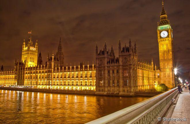 Palácio de Westminster, também conhecido como o edifício das Casas do Parlamento Britânico
