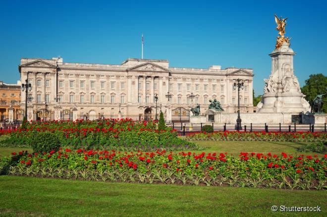 Conheça de perto a residência real britânica com o Walking Tour londrino