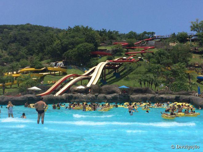 Quem leva crianças e curte atrações mais calmas, vai gostar das familiares do parque aquático do Rio de Janeiro