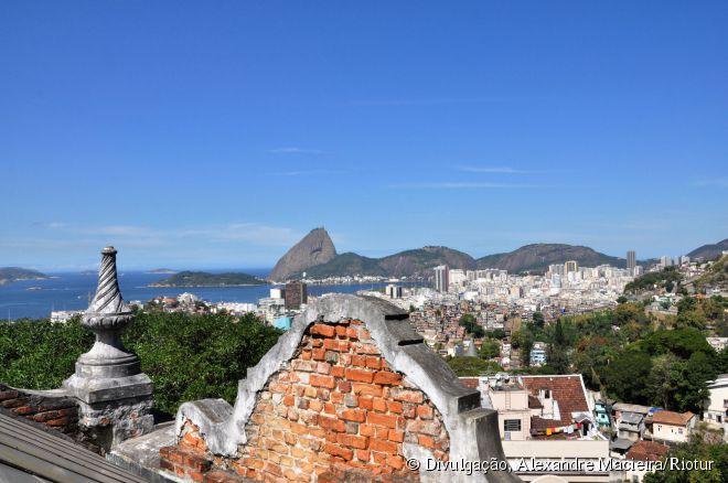 Vista do Parque das Ruínas, no charmoso bairro carioca de Santa Teresa