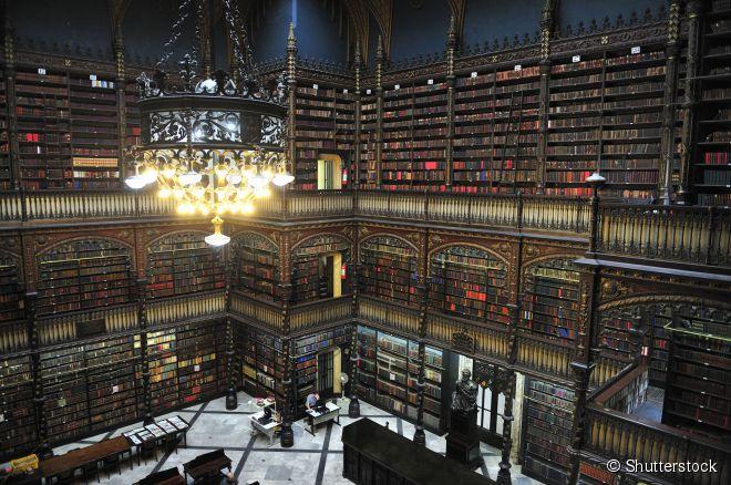 O belo Real Gabinete Português de Literatura, localizado no centro da cidade