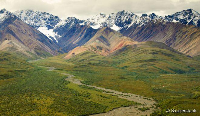 O Denali, no Alasca, abriga o Monte McKinley, o pico mais alto da América do Norte