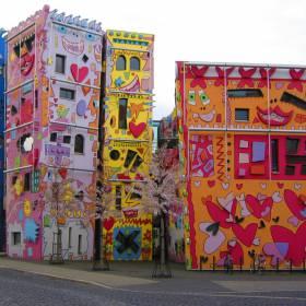 """Cidade de Alemanha tem o prédio """"mais feliz do mundo"""""""