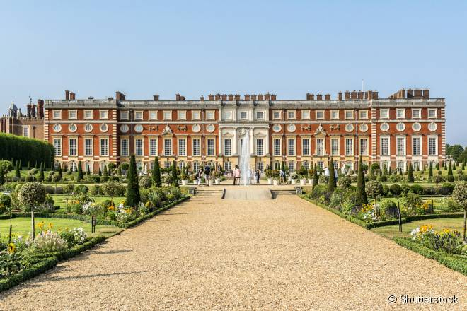 O Hampton Court guarda as memórias do rei Henrique VIII e de suas esposas
