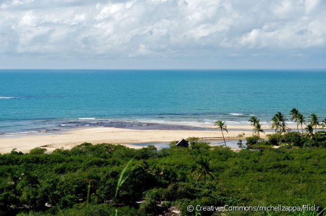 Praias de Trancoso têm águas mornas e cristalinas