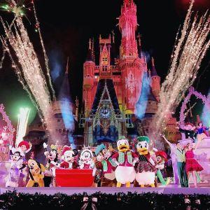 <strong>Os fogos de artifícios são clássicos nos shows da Disney!</strong>