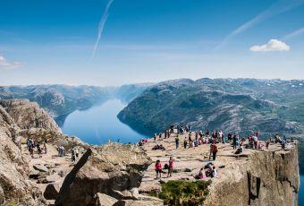 Preikestolen é o mirante natural mais visitado da Noruega