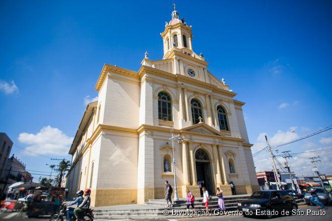 A Igreja Matriz Nossa Senhora da Candelária de Itu encanta seus visitantes com acabamentos interiores nos estilos Barroco e Rococó