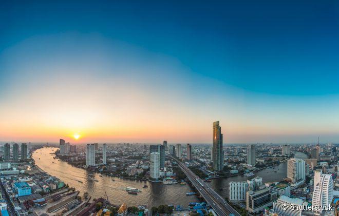 10) Bangcoc (Tailândia)   - Com mais de oito milhões de habitantes, a capital da Tailândia é o principal centro financeiro e a cidade mais populosa do país. Banhada pelo rio Chao Phraya, é considerada a Veneza da Ásia, mas em nada parece com a charmosa cidade italiana. Bangcoc é muito agitada, combina prédios modernos e construções antigas e, por isso, conquistou 15.586 pontos, ficando em 10º lugar no ranking