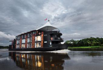 Cruzeiro de luxo revela uma Amazônia cheia de mistérios e mordomias