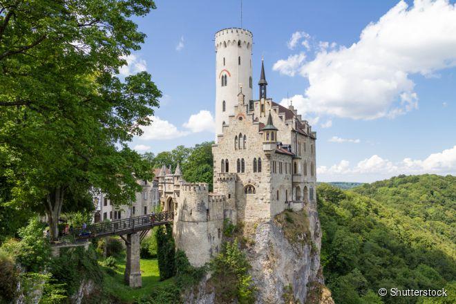 Erguido no século 19 para honrar os cavaleiros medievais, o castelo de Lichtenstein é um dos mais novos da Alemanha