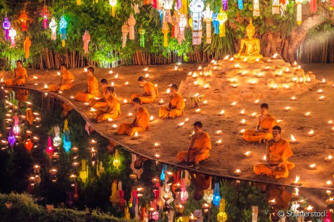 Os tailandeses acreditam, que o ritual do Festival das Luzes traz muita sorte!