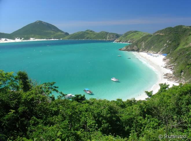 As águas cristalinas de Arraial do Cabo fazem com que as praias da cidade sejam comparadas com as ilhas do Caribe