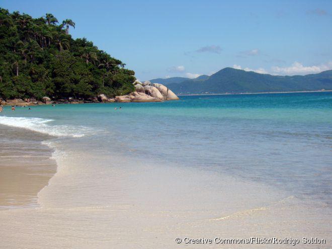 As praias são o principal atrativo para turistas em Florianópolis