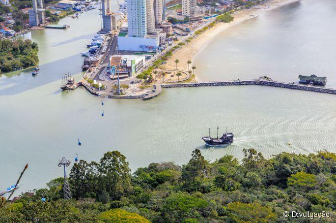 O Molhe da Barra Sul se tornou um ponto turístico depois de ganhar um novo projeto de paisagismo