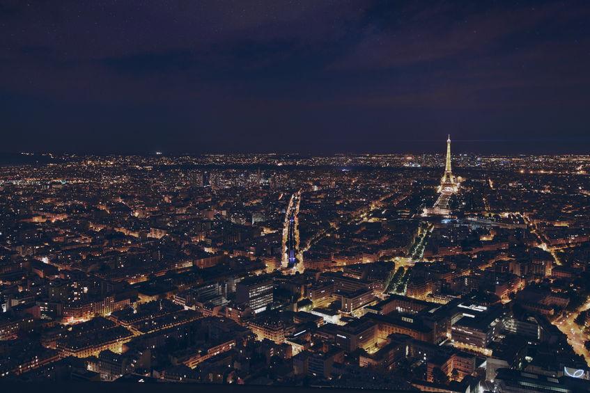 """Curiosidades sobre Paris: Paris é carinhosamente chamada de """"Cidade Luz"""""""