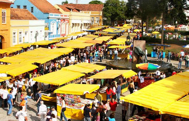 Passeio em Curitiba: Feira do Largo da Ordem