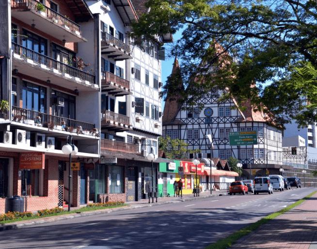 Passeio em Blumenau: Rua XV de Novembro