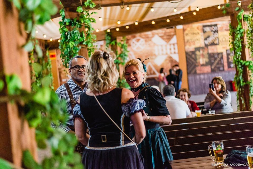Onde comer em Blumenau: Eisenbahn Bierhaus - Vila Germânica
